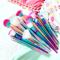 """Pretty Makeup Brushes from Cruelty Free Beauty Brand Girls With Attitude - """"Pure mermaid/unicorn GWA dreaminess Thank you @lucyflight for your pic of all these vegan beauties Shop all brushes at www.girlswithattitude.co.uk ✨ """" #GWALondon #makeup"""