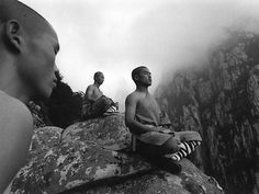 Kung-fu monks meditating at Shaolin temple at Shaoshi. Photo by Tomasz Lewandowski