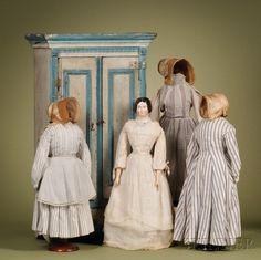 352: China Lady with Bun and Wardrobe, Germany, c. 1850 : Lot 352