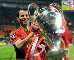 EXCLUSIVE BY CHRIS WHEELER: Ryan Giggs has told Manchester United he wants to leave after nearly 30 years at the Old Trafford club. He joined the Red Devils on his birthday in Football Boys, Retro Football, Football Stuff, Football Players, Cardiff City, Different Sports, Manchester United Football, Man United, Sports Stars