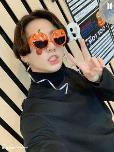 Foto Jungkook, Foto Bts, Bts Selca, Kookie Bts, Kim Namjoon, Jungkook Cute, Kim Taehyung, Bts Photo, Seokjin