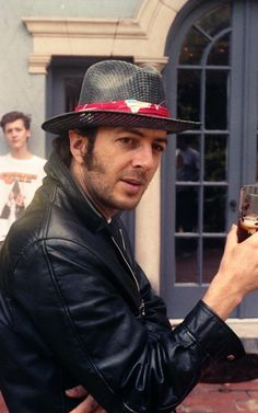 Never-before-seen images of punk pioneer #JoeStrummer and maverick Hollywood … Source telegraph.co.uk