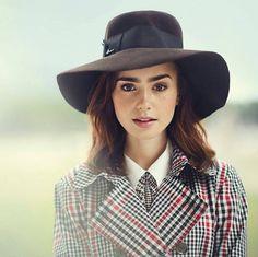 La británica más hermosa del mundo  @lilyjcollins #lilycollins