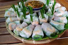 Spring roll for hot days . Who wanna join w me? ✔️  From advice of www.vietnamesefood.com.vn