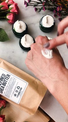 """How to use Zinc Oxide to add SPF This tutorial is a great way to learn how to add zinc oxide to your skin care products. Zinc Oxide is a mineral, and it's present in all """"physical"""" sunscreens on the Homemade Body Butter, Homemade Skin Care, Homemade Beauty Products, Diy Skin Care, Homemade Body Lotion, Homemade Sunscreen, Lush Products, Avon Products, Homemade Facials"""