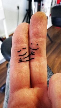 finger hug tattoo :) this is too cute!