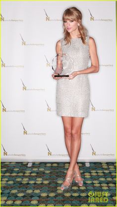 Taylor Swift Wins NSAI's Songwriter of the Year 2013! | Taylor Swift Photos | Just Jared