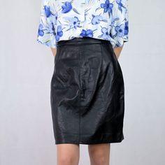 VIN-SKI-05043 Vintage δερμάτινη φούστα L Waist Skirt, High Waisted Skirt, Vintage Skirt, Leather Skirt, Skirts, Fashion, Moda, High Waist Skirt, Skirt