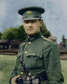 in 1921 – In an extremely hostile environment over the Treaty debate, Michael Collins smells some dirty work and addresses the House. – Stair na hÉireann/History of Ireland Irish Celtic, Irish Men, Ireland 1916, Irish Independence, The Ira, Erin Go Bragh, Irish Eyes Are Smiling, Michael Collins, Military Pictures