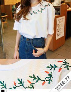 Today's Hot Pick :ネックフラワー刺繍ルーズTシャツ http://fashionstylep.com/SFSELFAA0014070/hkm0977jp/out ネックフラワー刺繍ルーズTシャツ♪ シンプルなガーリー系トップスです。 スパン配合のポリ混紡素材で軽く着心地◎ ネックラインの丁寧な刺繍がアクセント! スカートはもちろんパンツとのカジュアルなコーデもおススメです! ◆2色:ブラック/アイボリー