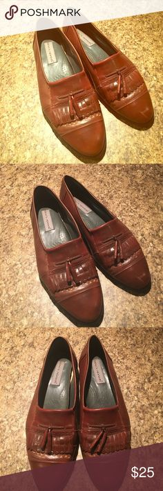 Vintage Stacy Adams Leather Tan Cigar Loafers 12 True vintage Stacy Adams!! Tan - Brown Cigar - Playboy Tassel Loafers Shoes. Size 12. Leather upper and nailed heel. Authentic & Collectable. These have some wear ( they are vintage ) but polish may kick allot of the scuff out. Please see pics. Made in Spain. Great price if you know the brand . Beloved by steampunks and fashion gurus. Stacy Adams Shoes Loafers & Slip-Ons