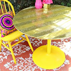Makeover a thrift store dining table with glitter stripes and a Maxx Gloss base!