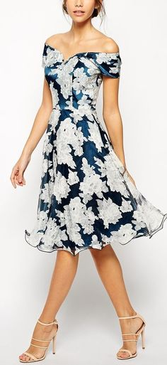 Çiçekli Elbise Modelleri diz boyu lacivert omzu açık | SadeKadınlar - Moda
