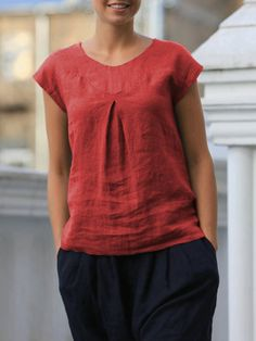 Short Sleeve Pleated Solid Color Casual T-shirt For Women look chipper and natural. NewChic has a lot of women T-shirts online for your choice, believe you will find your cup of tea. Plus Size Pants, Plus Size T Shirts, Plus Size Blouses, Linen Tshirts, Short Tops, T Shirts For Women, Clothes For Women, Casual T Shirts, Blouse Designs