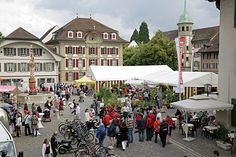 this is a picture of the lively market place in Zofingen/Switzerland......Zofingen is a nice medieval city in the midst of Switzerland!