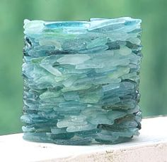 Sea glass vase. Would also be pretty as a tealight candle holder. DIY inspiration from KDCI Stone Factory in Japan.