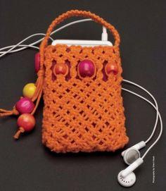 @MakeMagazine® Free Pattern: Sherri Haab & Phillip Torron, Craft 101: Macramé Pouch ©July 14, 2007. Pinner: @DianSisPayani