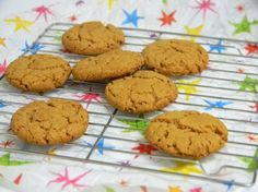 flourless peanut butter cookies - use honey to make them SCD.