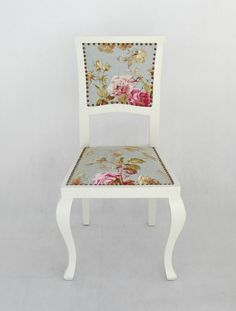 Classic chair with romantic rose drape - Remodel Studio Hungary