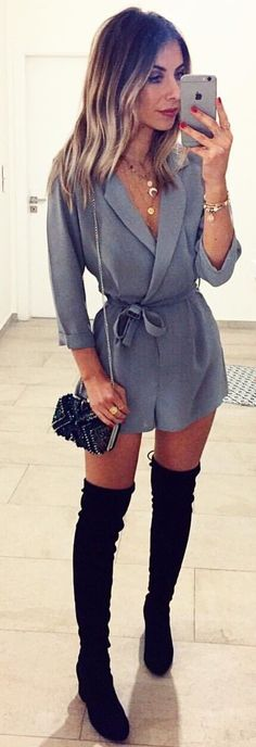 #spring #outfits woman in black thigh-high boots taking selfie. Pic by @sabrinacsari
