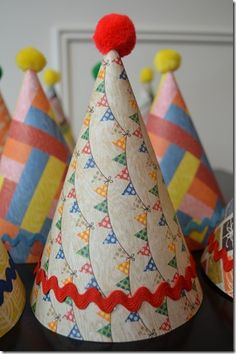 Birthday Party: colorful DIY party hats