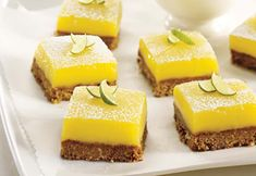 Melting bites with lemon and speculoos: discover the cooking recipes of Femme Actuelle Le MAG - Dessert Recipes French Desserts, Lemon Desserts, Mini Desserts, No Bake Lemon Pie, No Bake Lemon Cheesecake, Lime Squares Recipes, Vegan Dessert Recipes, Cake Recipes, Cooking Recipes