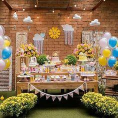 Festa linda! Via @casa_18 -  Uma festinha de Sol com muitas coisinhas aqui do atelier! Espia aí: móbile nuvem penduradas no teto, nuvens com fita e corações no painel, bandeirolas, topo de bolo, caixas forradas com tecido... É muita boniteza!☀️☁️ Foto: @flaviaperrinfotografia  Produção: @pitanga_pitangueira   #festa  #festasol  #decoração  #nuvem #bandeirolas #decoraçao  #decoraçãodefesta  #casa18  #lojacasa18  #criança  #festainfantil  #party -  #regrann  #amaislindafesta  #festalinda…