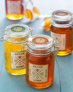 Love the look of these honey jars? These were made with Avery WePrint.  Design the labels online and WePrint delivers the premium, professionally printed finished product to your door. Couldn't be easier.