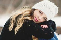 Senior Portrait / Photo / Picture Idea - Girls - Winter