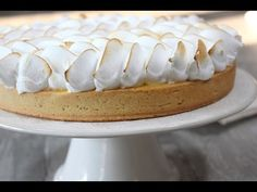 Here is the real recipe for the lemon meringue pie: a short crust pastry … - Recipes Easy & Healthy Ogura Cake, Lemon Meringue Pie, Cake Videos, Pie Recipes, Vanilla Cake, Camembert Cheese, Bakery, Deserts, Easy Meals
