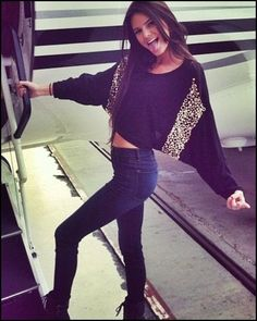 Kendall Jenner media gallery on Coolspotters. See photos, videos, and links of Kendall Jenner. Kendall Jenner Style, Le Style Du Jenner, Estilo Jenner, Leila, Love Jeans, Fashion Beauty, Womens Fashion, Kawaii, Mode Inspiration