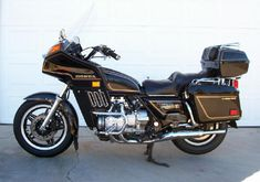 1982 GL1100 GoldWing Motorcycle.... the twin to mine!!