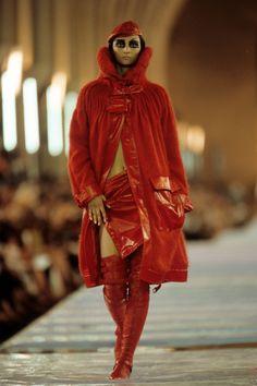 Christian Dior Fall 1999 Couture Fashion Show - Kasia Pysiak