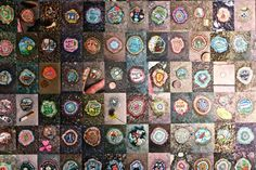 Ben Wilson Chewing Gum Art - The police tried to arrest him for criminal damage but as he had painted on discarded chewing gum and not the pavement the charge was thrown out. Ben Wilson, Wilson Art, Gum Stick, 6th Grade Art, Bubble Art, Chewing Gum, Pretty Cool, Art Lessons, Street Art