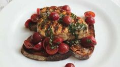 Grilled Swordfish Bruschetta Recipe Grilled Swordfish with Cherry Tomato Salad on Grilled Bread Video Rezept Yummy Appetizers, Appetizer Recipes, Snack Recipes, Cooking Recipes, Grilled Swordfish, Swordfish Recipes, Grilled Shrimp, Flap Steak, Chef John Recipes