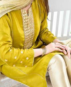 Beautiful Pakistani Dresses, Pakistani Formal Dresses, Pakistani Dress Design, Pakistani Outfits, Lovely Dresses, Stylish Dresses For Girls, Stylish Dress Designs, Designs For Dresses, Elegant Designs