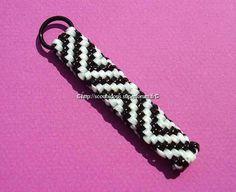 Gimp Bracelets, Paracord Bracelets, Bracelet Knots, Plastic Lace Crafts, Duct Tape Crafts, Quilling Earrings, Keychain Design, Camping Crafts, Kid Crafts