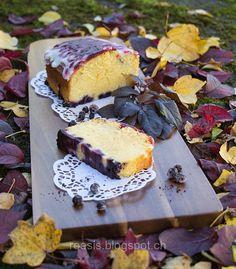 Heidelbeerkuchen mit marmorierter Glasur roesis.blogspot.ch #frau_roesi Dairy, Cheese, Food Food, Woman