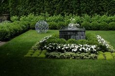 Formal with a touch of curves | Fine Gardening