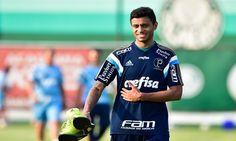 O Vitória que já acertou o argentino Dátolo está próximo de contratar mais um grande reforço. Trata-se do meia Cleiton Xavier, do Palmeiras.