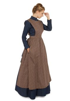 Pioneer Calico Apron - Working Dresses - Ideas of Working Dresses - I love these kind of dresses. I wish that we still used these kind of dresses! I love the old days when you had to walk or ride everywhere! Old Fashion Dresses, Old Dresses, Modest Dresses, Modest Outfits, Vintage Dresses, Vintage Outfits, Modest Clothing, Peasant Dresses, Skirt Outfits