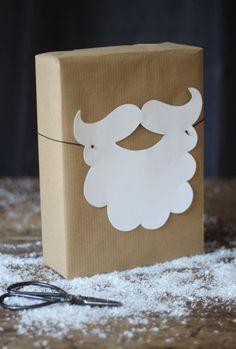 Idee für Weinachten - eine Weihnachstmann Geschenk Verpackung. Die können auch schon Kinder basteln.