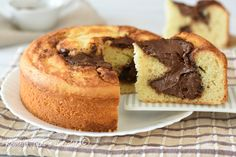 La TORTA NUTELLA e MASCARPONE e' il dolce senza burro piu' soffice e cremoso mai visto, si realizza in poco tempo e con pochi ingredienti