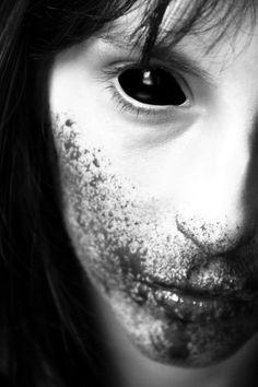 horror photography black and white - Google-søk