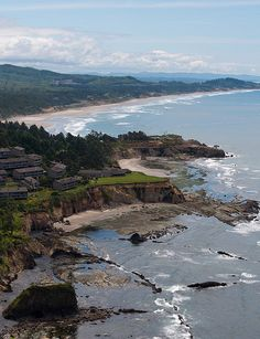 Pacific Ocean - Oregon Coast I took this exact picture, this is where we want to retire.  Love the coast.