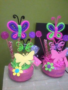 Mariposas para centro de mesa - Imagui Butterfly Birthday Party, Luau Birthday, Birthday Parties, Diy And Crafts, Crafts For Kids, Pipe Cleaner Crafts, Birthday Centerpieces, Butterfly Decorations, Fancy Nancy