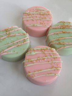 Chocolate Covered Oreos ~ Pink and Mint Green ~ Gold Sparkes ~ Party Favors ~ Pink and Mint Green Favors ~ Baked Goods