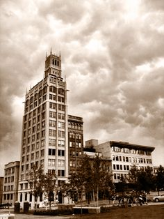 downtown Asheville aka FunkyVilleUSA and I live an hour away :D Cities In North Carolina, Asheville North Carolina, Asheville Nc, Nc Mountains, Appalachian Mountains, Historic Architecture, Gingerbread Houses, Sweet Memories, Chair Cushions