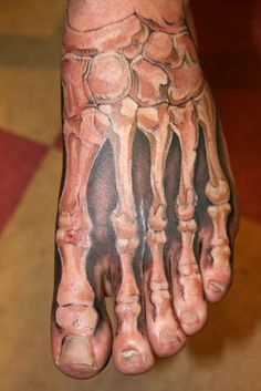 realistic 3d tattoo on the foot