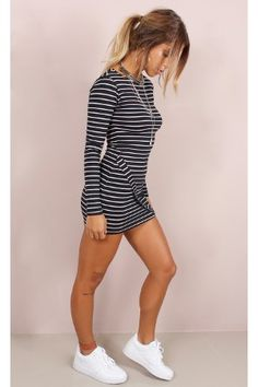 Vestido kylie #kylie #kyliejenner #vestido #listras #stripes #dress #black #streetstyle